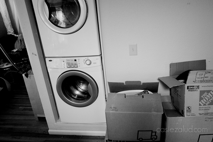 washer and dryer with moving boxes