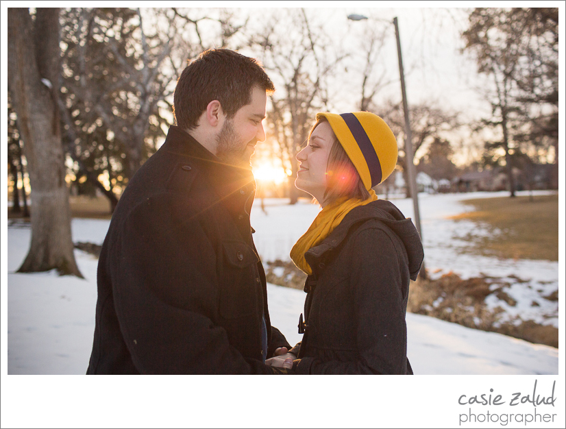 Colorado engagement photography as the sun sets